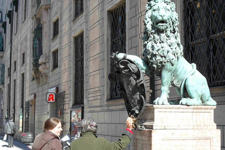 The lions in front of the Residenz